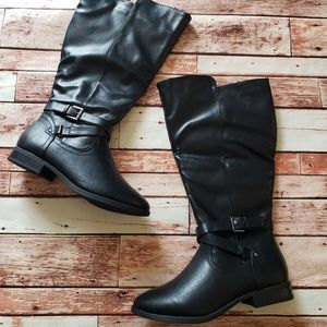 Shoes - 11W black boots